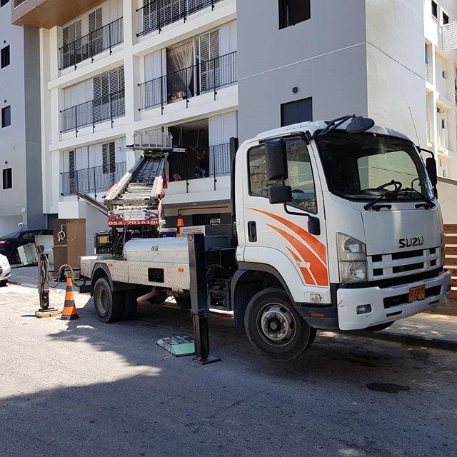 מנוף הרמה להובלת דירות ומשרדים - קרגו MS